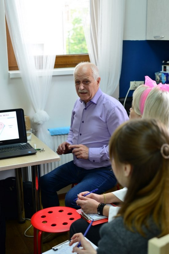 В. И. Пудов делится знаниями с участниками «Горного марафона»
